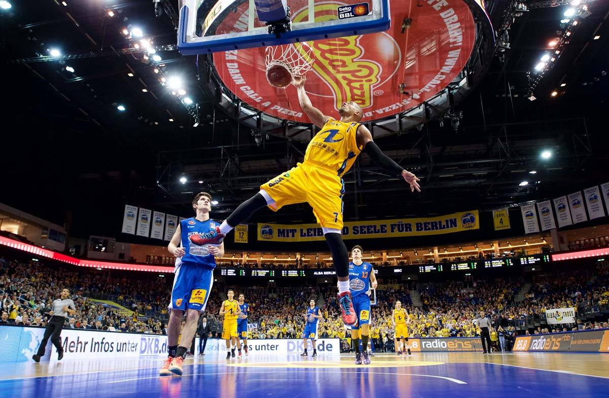 alba berlin alex king camera4